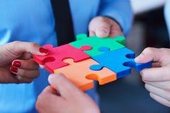 Relation d'affaires Team Jigsaw Puzzle Concept d'entreprise Photos stock