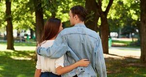 Relations romantiques étroites Amour d'été Photos stock