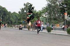 Relativo alla ginnastica, fronte lago di Kankaria - India Fotografie Stock