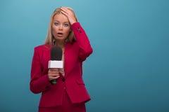 Relatore molto bello della TV Fotografia Stock
