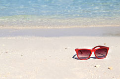 Relax on the beach with clean blue water Royalty Free Stock Photography
