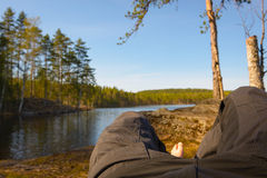 Relaxamento após uma caminhada longa do dia Imagens de Stock Royalty Free