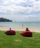 Relaxamento em beanbags Fotos de Stock