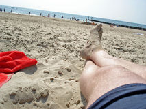 Relaxamento na praia Imagem de Stock Royalty Free