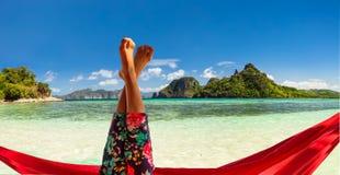 Relaxamento no hammock Imagens de Stock Royalty Free