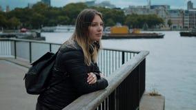 Relaxamento no rio Tamisa - viagem da cidade a Londres filme