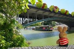 Relaxamento pelo Seine River Foto de Stock