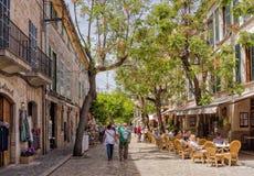 Relaxando em Valldemossa, Mallorca fotos de stock royalty free