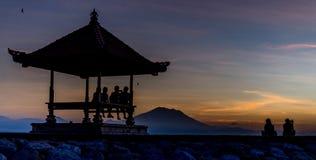 Relaxation de lever de soleil de Bali Images libres de droits