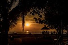 Relaxation de lever de soleil de Bali Image stock
