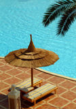 relaxation de poolside Photo stock