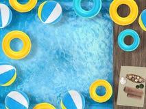 Relaxation latérale de piscine photo stock