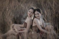 Relaxation thaïlandaise de femme photographie stock libre de droits
