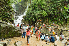 Relaxe na cachoeira Foto de Stock Royalty Free