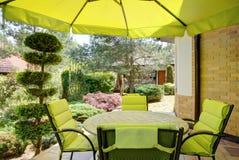 Relaxe no jardim imagens de stock royalty free