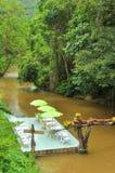 Relaxe o tempo no rio Imagem de Stock
