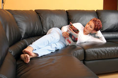 relaxed женщина стоковые фотографии rf