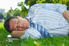 Relaxed businessman outdoor Royalty Free Stock Photos