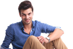 Relaxed young casual man smiling Royalty Free Stock Photos