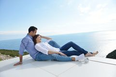 Relaxed young couple at home Royalty Free Stock Images