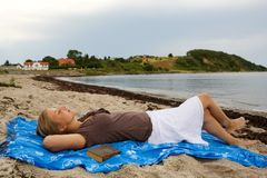 Relaxing at the beach Royalty Free Stock Image