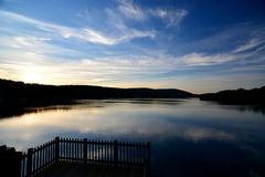 Relaxing Lake house view Royalty Free Stock Photos