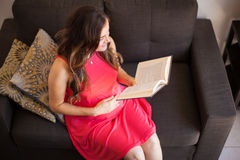 Relaxing and reading a book Royalty Free Stock Images