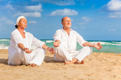 Relaxing senior couple royalty free stock images