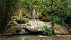 Relaxtime en la cascada Fotos de archivo
