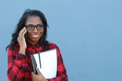 Relazioni a distanza romantiche di conversazione telefonica Immagine Stock Libera da Diritti