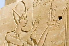 Relevaciones arruinadas de la pared de Pharoah, Karnak, Egipto. Fotos de archivo