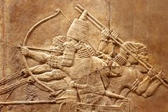Relevo Assyrian na parede fotografia de stock royalty free