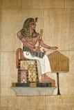 Relevo pintado egípcio antigo foto de stock royalty free