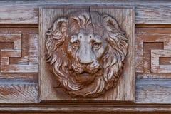 Relevo principal do leão na fachada fotografia de stock royalty free