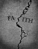Religión quebrada de la fe perdida Imágenes de archivo libres de regalías