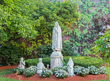 Religiös be staty Arkivbilder