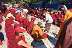 Religiös ceremoni för buddism Arkivbild