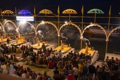 Religiös ceremoni på Varanasi Arkivbild