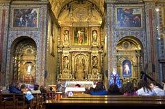 Religiös konst och besökare i jesuit kyrktar Funchal Royaltyfri Fotografi
