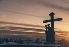 Religiös monument i Yekaterinburg i Ryssland mot himlen Fotografering för Bildbyråer