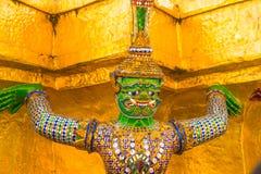Religiös monument på templet royaltyfri bild