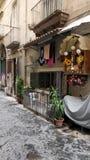 Religiösa bakgator av Napoli royaltyfria bilder