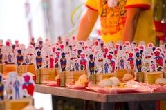 Religiösa troar för traditionell kines, offerings, humanoidkort arkivfoton