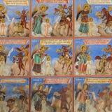 Religi?sa frescoes p? avhandlingarna fr?n bibeln som m?las p? v?ggen i den Rila kloster, Bulgarien royaltyfria foton