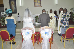 RELIGIOUS WEDDING COUPLE OF AFRICAN Stock Images
