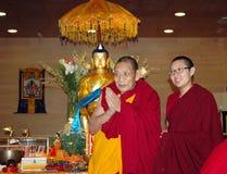 Reliken för den Maitreya hjärtarelikskrin turnerar ' Lama Ciampa Monlam Arkivfoto