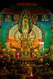 Relikskrin av Drubgon Jangchup Choeling den tibetana templet, Katmandu, N Arkivfoto