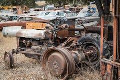 Reliquias Ole Tractor del Junker y pedazo foto de archivo