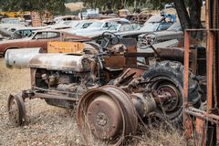 Reliquie Ole Tractor del junker & residuo fotografia stock