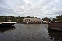 Relitti della nave nel porto Fotografie Stock